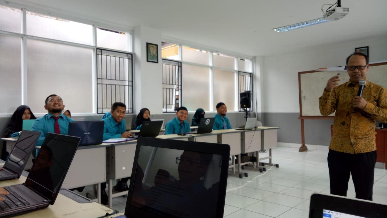 Pelatihan K13 Guru SMP DTBS PUTRA